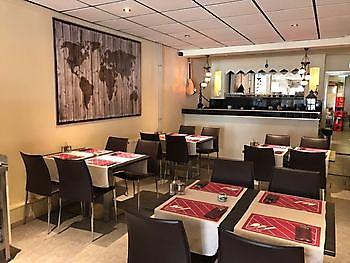 Restaurant tafels Diyar Mangal Houtskoolrestaurant