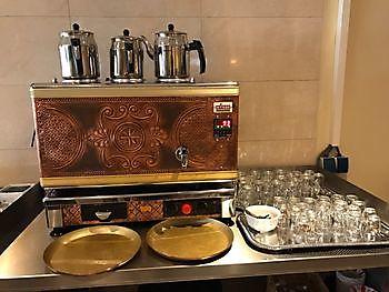 Echte Turkse thee Diyar Mangal Houtskoolrestaurant