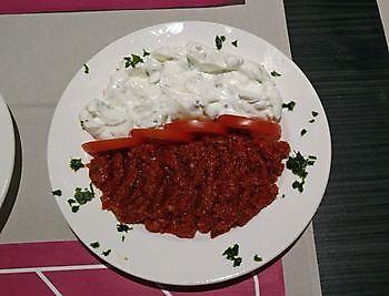 Antep Ezme en Cacik Diyar Mangal Houtskoolrestaurant